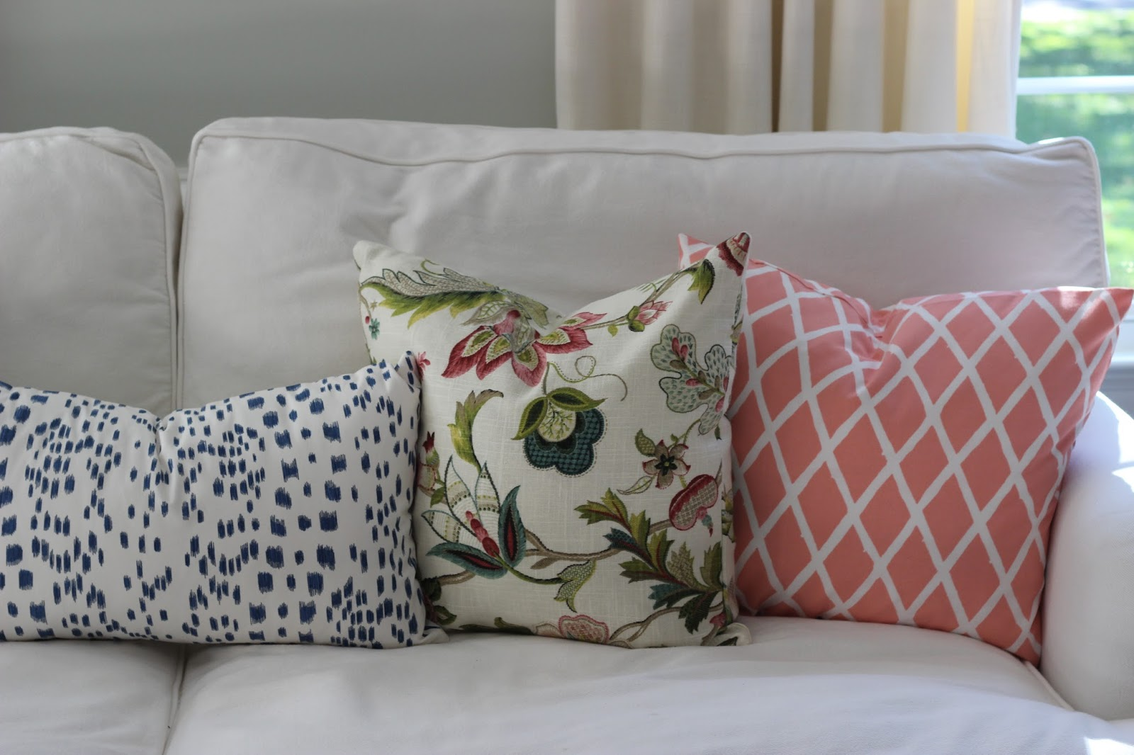 I Also Like To Mix Up My Scales And Patterns For A Well Rounded Look, As  Seen Below. How Do You Choose When Deciding On Throw Pillows?