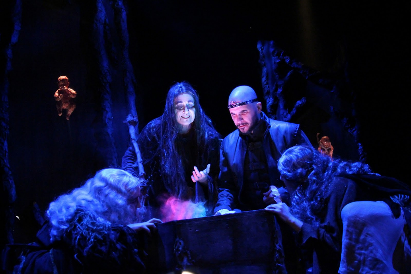 the effect of the witches prophecies on macbeth For the best answers, search on this site in the beginning the witches only tell macbeth the prophecies for fun, which is why hecate becomes angry at them.