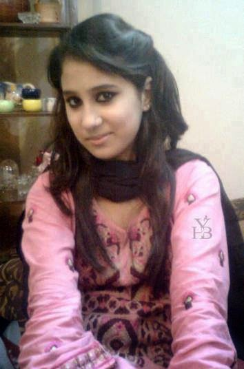 Hot And Beautiful Desi Indian Girls Photo Gallery