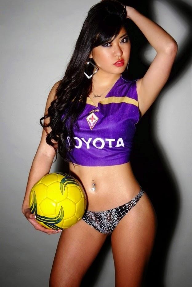 Adana Hirano nas cores da ACF Fiorentina