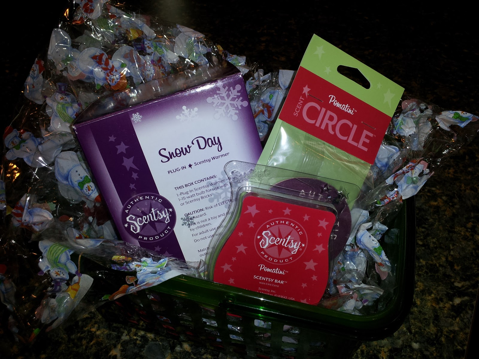 Being frugal and making it work scentsy holiday gift basket giveaway scentsy makes the perfect gift for any occasion with the holidays right around the corner now is the perfect time to shop scentsy xflitez Gallery