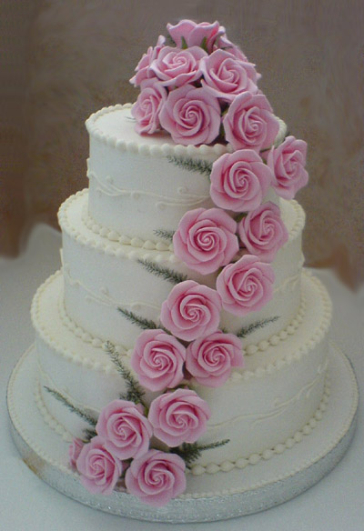 Wedding Cake Designs: Wedding Cake with Roses Decoration