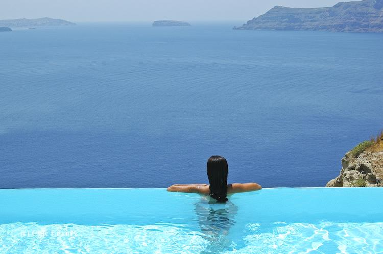 Passion for luxury santorini pools - Santorini infinity pool ...