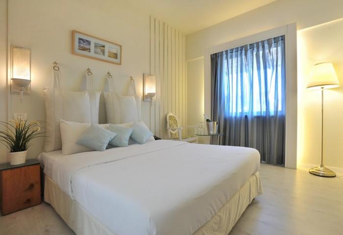 חדר זוגי במלון see the sea תל אביב