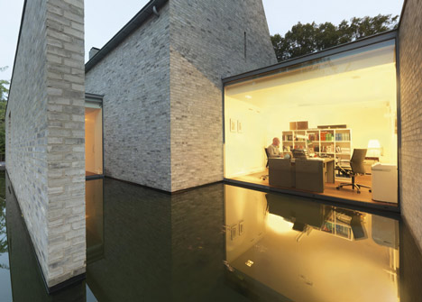 modern: Dreaming on – Stone, glass and water in perfect balance