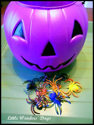 decorate a candy basket for Halloween