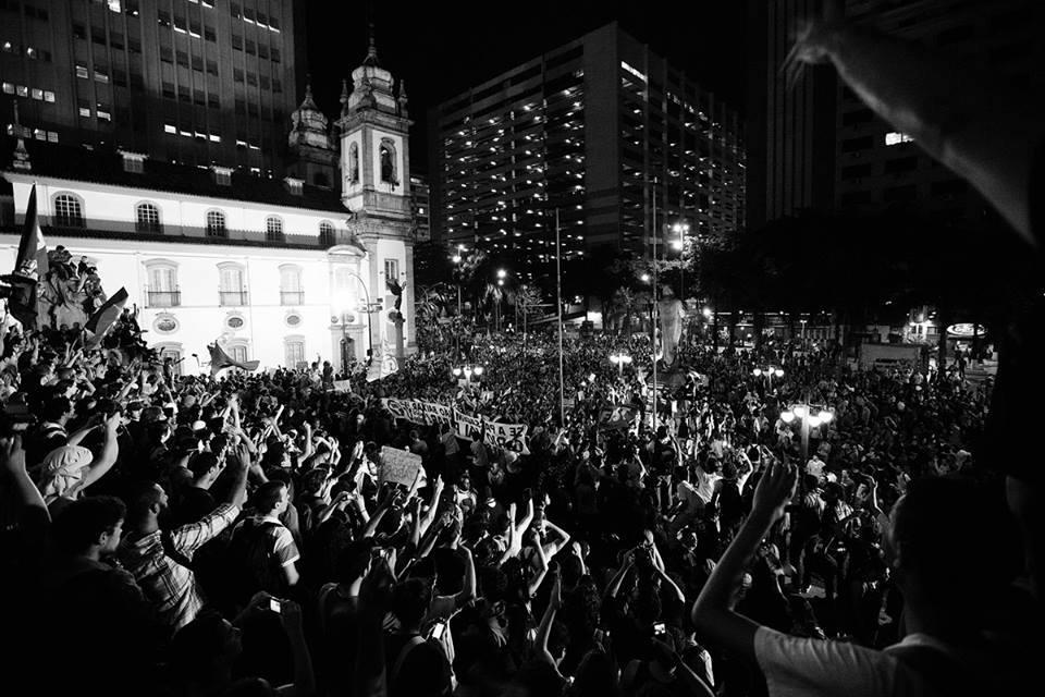 """ATENÇÃO ! POLÍTICOS ESTÃO CORRENDO PARA TRANSFORMAR MANIFESTAÇÃO COMO O """"CONTRA O AUMENTO DAS PASSAGENS' COMO """"TERRORISTA"""""""