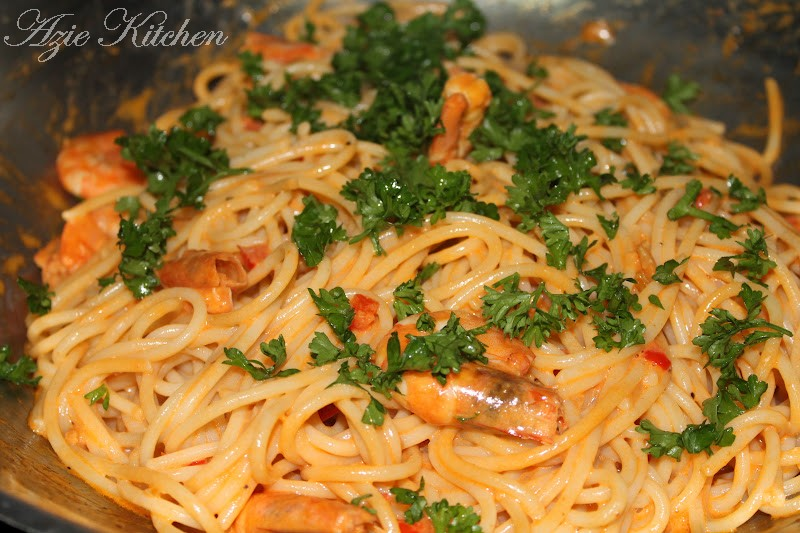 Aduhaaiii Sedap Nyer Spaghetti With Prawns Garlic Sauce Azie Kitchen