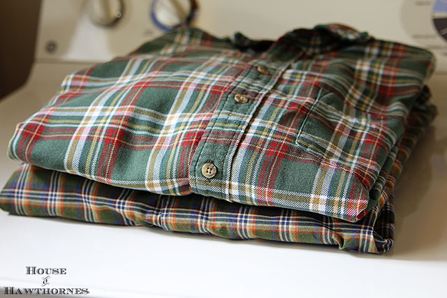 Easy to follow instructions for making DIY no-sew pillows from shirts - quick and simple