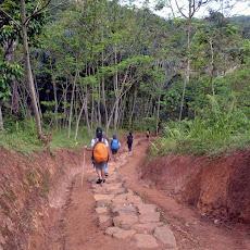 perjalanan melewati desa Baduy Luar