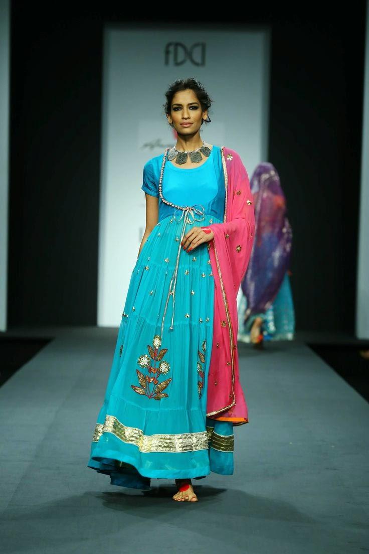 anupama dayal show at wills lifestyle india fashion week