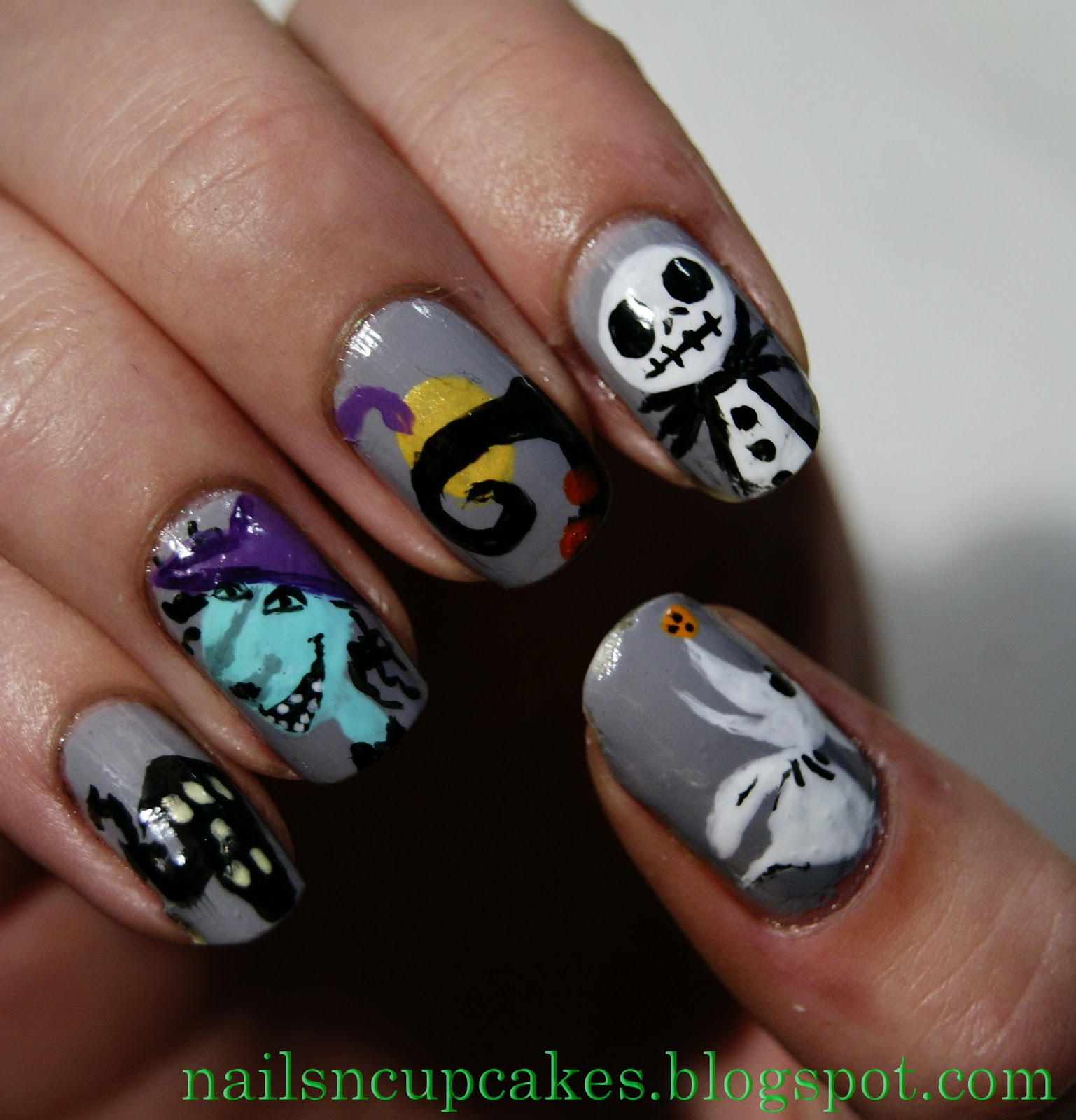 NailsN\'cupcakes: Nightmare before Christmas nails