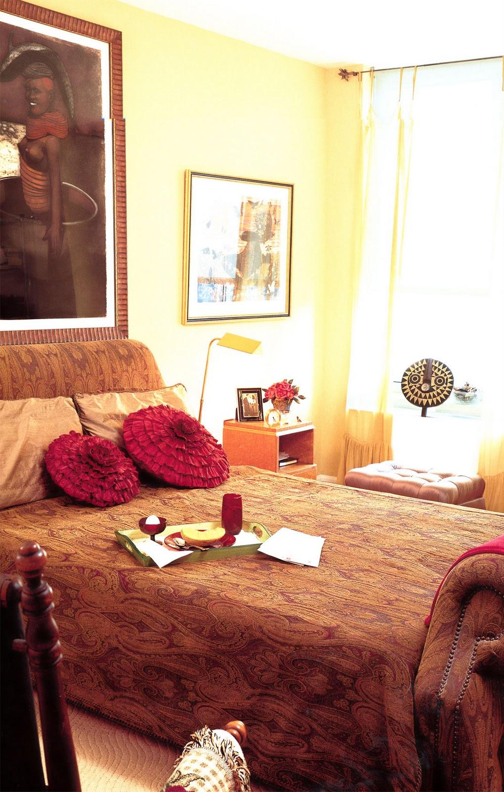 apartmentf15 decorating with african masks 2. Black Bedroom Furniture Sets. Home Design Ideas