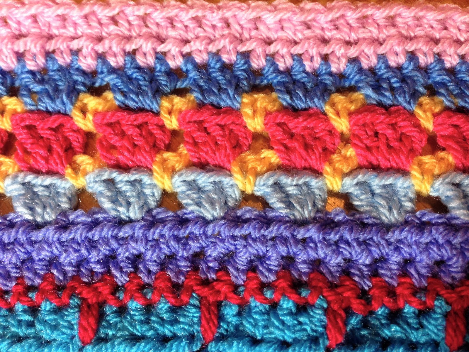 Crochet Stitches Multicolor : The stitches used this week are dc in 3 dc clusters, hdc, and sc.
