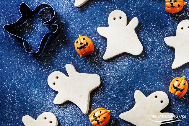 domowe żelki, halloween, dla dzieci, ciasteczka mleczne, mleczne żelki, łakocie dla dzieci, duszki, ciasteczka na halloween, kraina miodem płynąca