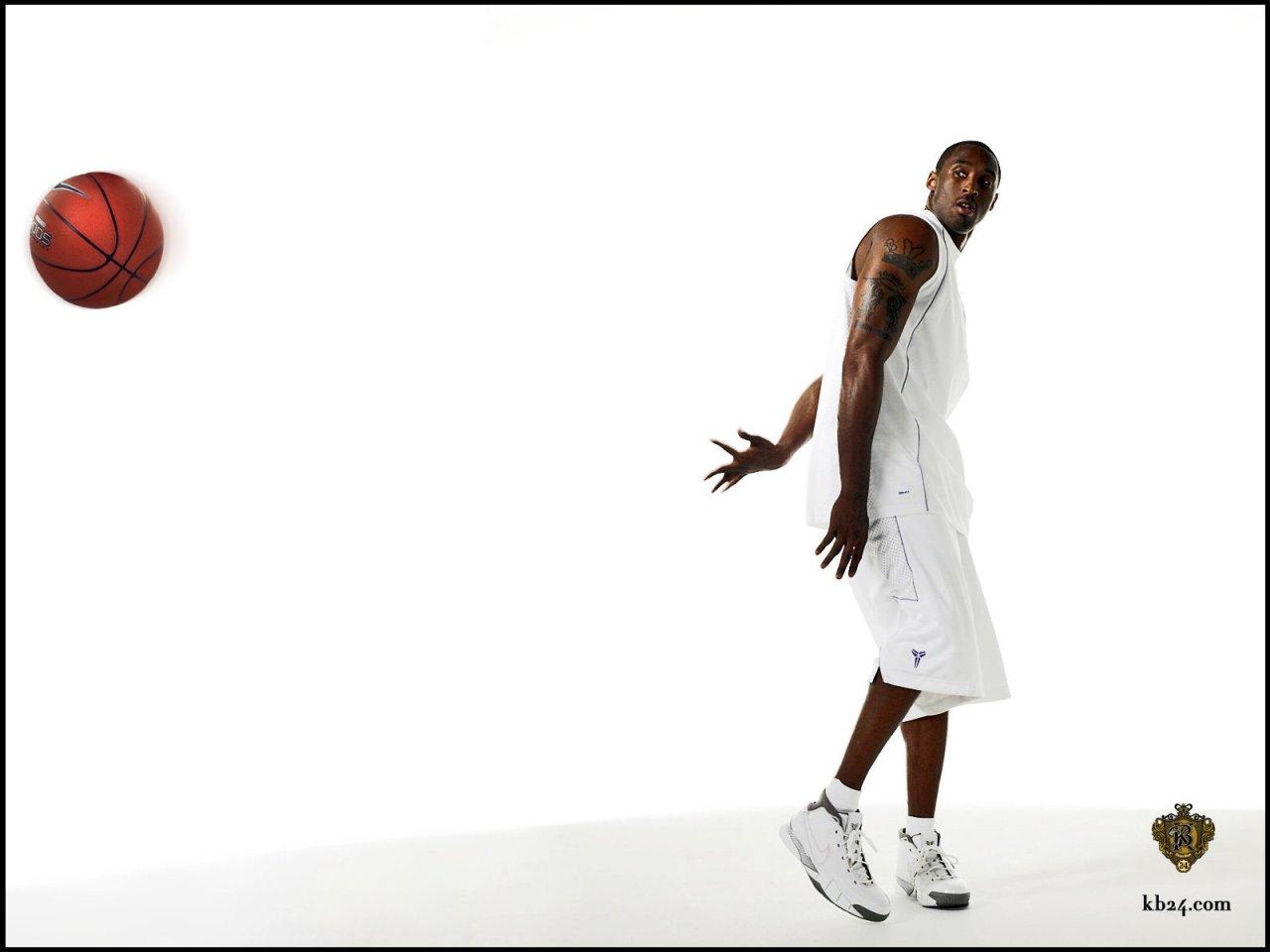 http://1.bp.blogspot.com/-epwu85IYtUM/TjPJMOClOiI/AAAAAAAAAKY/QfSS3YDvuKI/s1600/kobe-bryant-nba-basketball-star2_wallpaper_1280x960.jpg