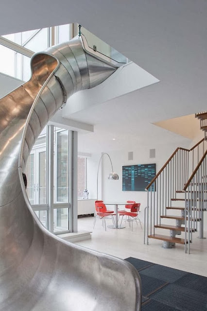 Apartment with a helical slide