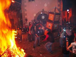 イタリアの祭り 聖アントニオの火祭り