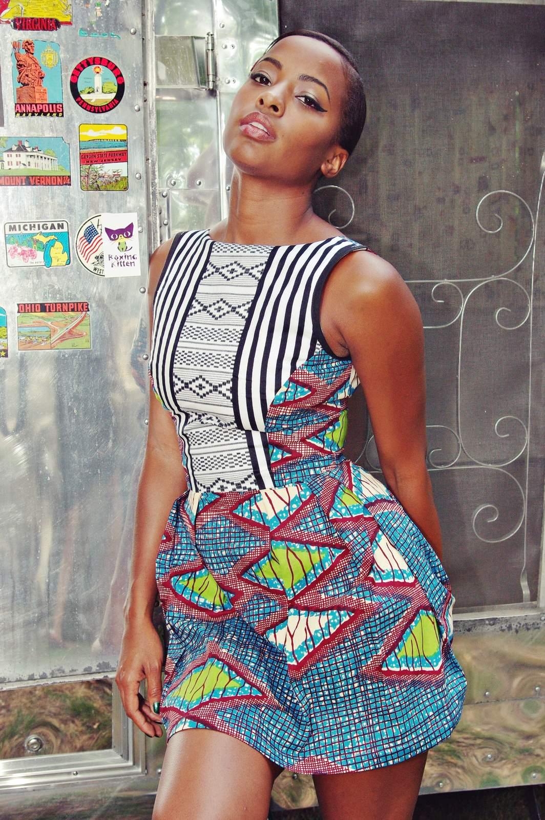 http://1.bp.blogspot.com/-eqrnzv0tdZw/UJb0VgpPBjI/AAAAAAAAAuw/a085G14QNWg/s1600/gorgeous+ankara+styles.jpg
