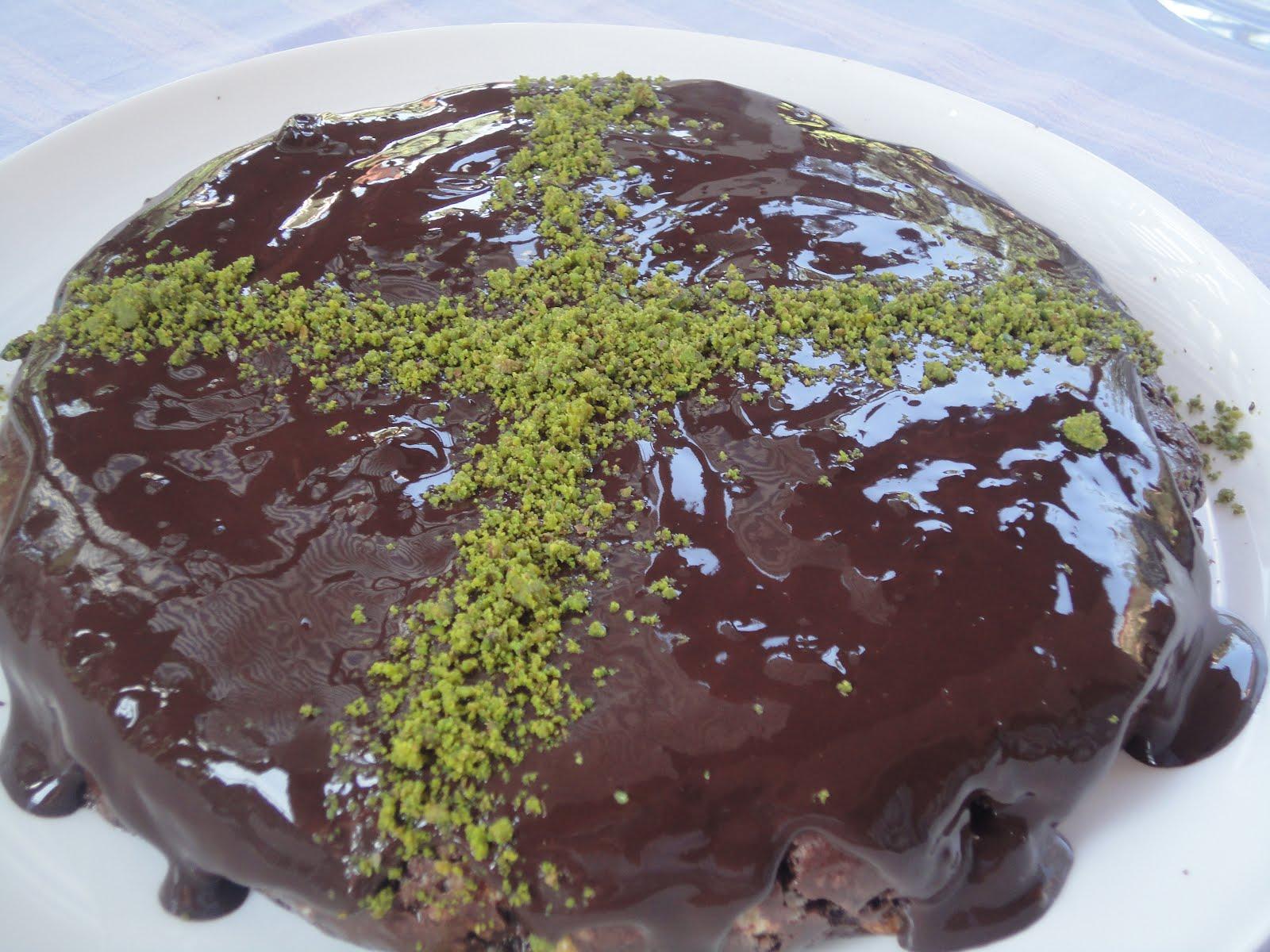 Çikolata Soslu Milföy Pastacıkları