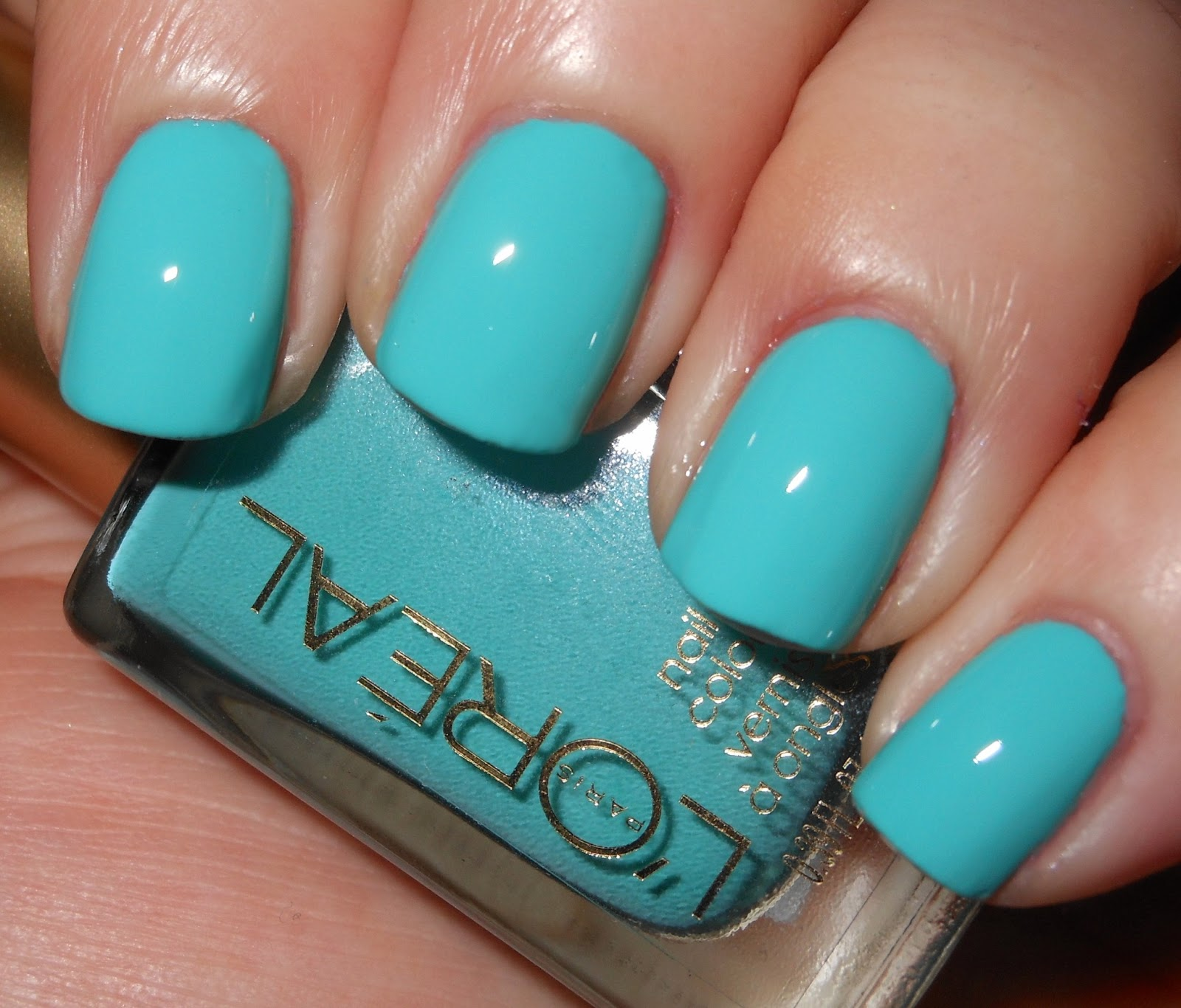 Imperfectly Painted: L\'Oreal Not a Cloud in Sight