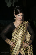 Anchor Shila Chakravarthy latest black saree Photos-thumbnail-15