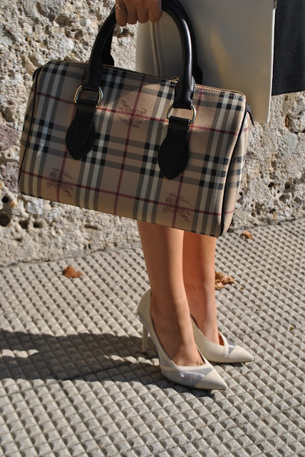 borsa bauletto burberry décolleté danilo di lea scarpe made in italy mariafelicia magno fashion blogger colorblock by felym fashion bloggers italy fashion blogger italiane blog di moda italiani influencer italiane street style burberry bag danilo di lea heels italian shoes made in italy shoes