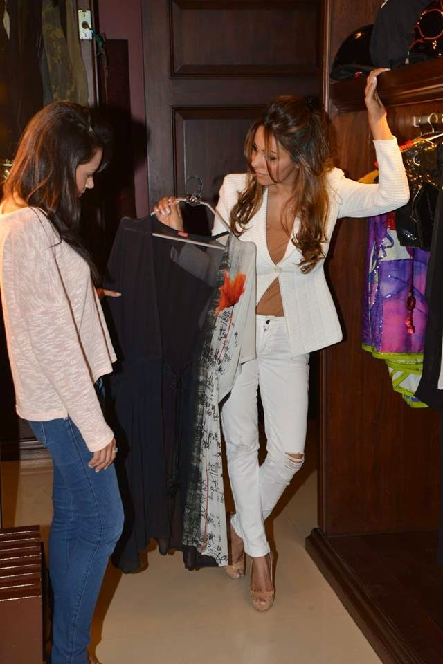 Gauri Khan's fittings for Satya Paul Show for Lakme Fashion Week 2015
