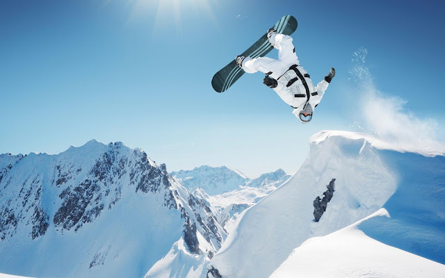 Sport Snowboarding in Sky