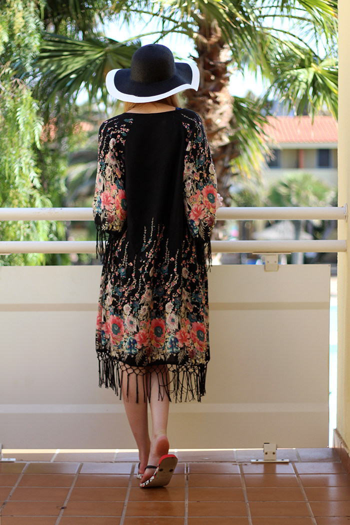 Chique Vacation Holiday Outfit Fashion Blogger Floppy Hat Kimono Retro Vintage Playsuit