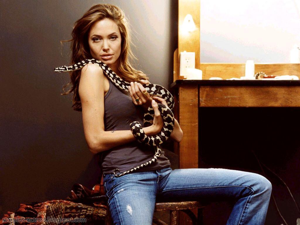 http://1.bp.blogspot.com/-erYkgOOULHY/TgD-KkhX-QI/AAAAAAAAH7g/0njGkSstqgE/s1600/Angelina-Jolie-106.JPG
