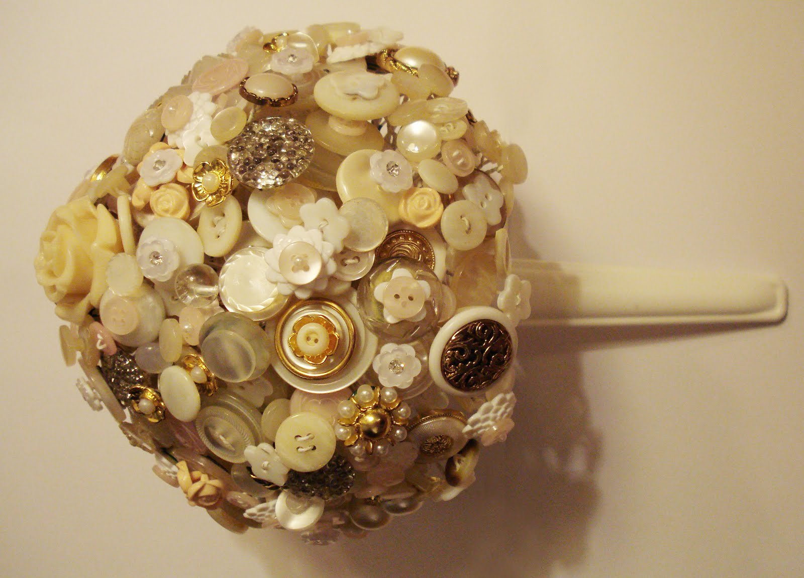 Two Wedding Belles Spotted DIY Button Bouquet By DSMeeBee