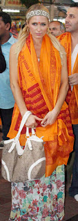 Paris+Hilton+Photos+At+Siddhivinayak+Temple+Mumbai+(2)