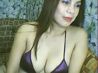 Pose Hot Cewek Saat Show di Webcam
