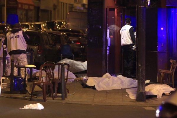 Caos em Paris explosão em estádio e tiroteio em restaurante