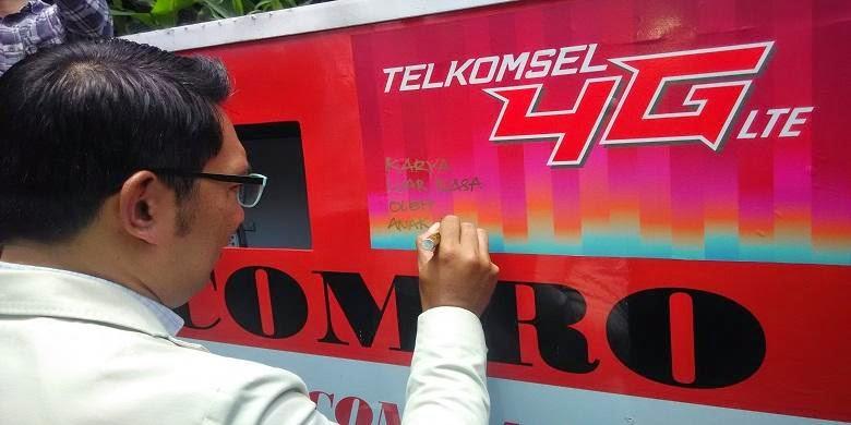 Wali Kota Bandung Ridwan Kamil menuliskan kekagumannya terhadap COMRO