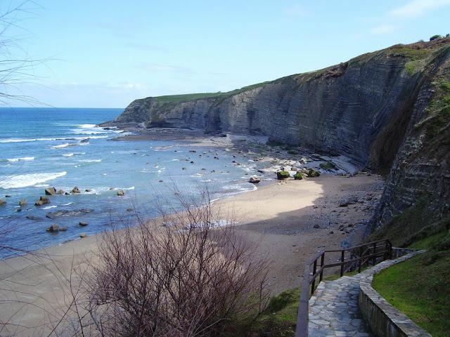 Playa nudista Peñarrubia (Asturias)
