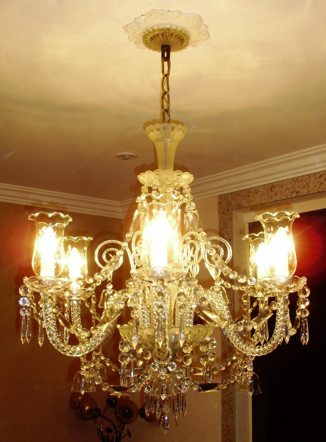 antiguidades casa real eternos lustres de cristal ao estilo baccarat. Black Bedroom Furniture Sets. Home Design Ideas