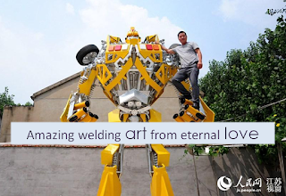 A-Welder-Dedicates-Whole-Year-to-Making-Astonishingly-Giant-Transformer-for-His-Son-1