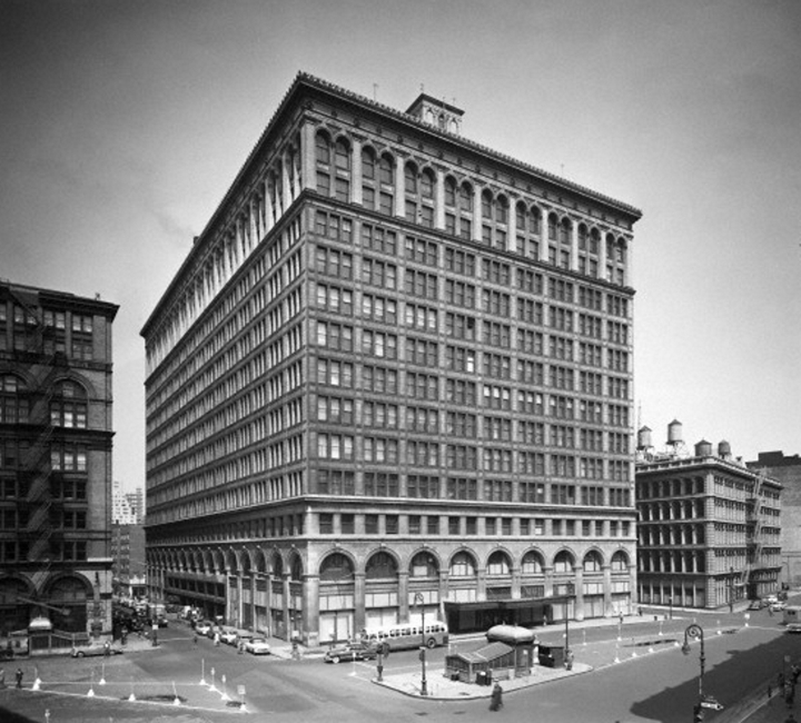A View Of The Wanamaker Store From Astor Place Re  Veals The Renaissance  Palazzo Like Design Of The Store By Architect Daniel Burnham, ...