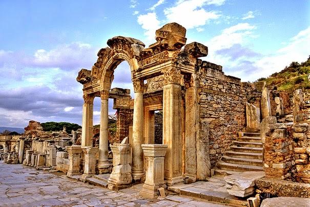 Hadrian-templet, Efesos, Tyrkiet