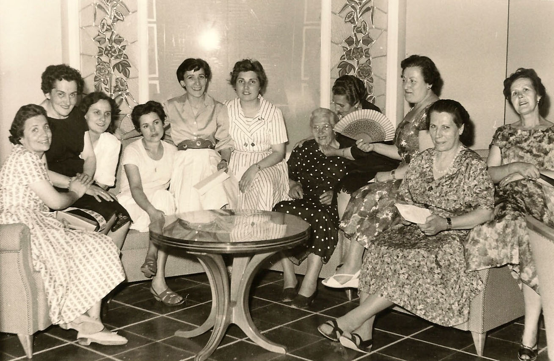 Néixer a Manresa (1930-1960). Llevadores manresanes.