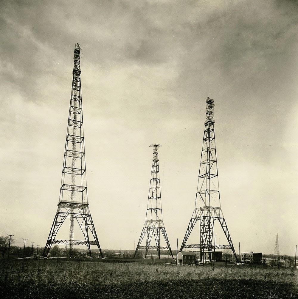 http://en.wikipedia.org/wiki/File:Naa-1913.jpg