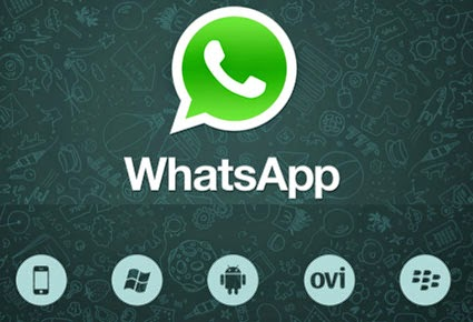 """إغراء الـ""""WhatsApp"""" للشابات السعوديات يعرضهن للخطر."""