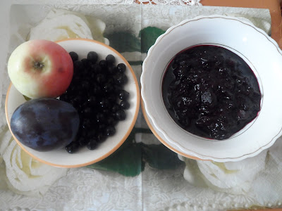 Dżem aroniowo-śliwkowo-jabłkowy.
