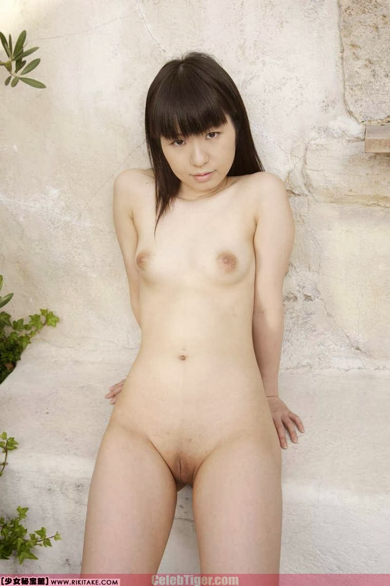 Asian School Girl Tui Kago Nude Outdoor Leaked Photos 2013  www.CelebTiger.com 123 Asian School Girl Yui Kago Nude Outdoor Photos 2013 Part 3