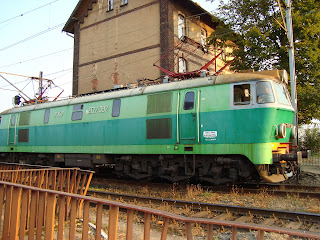 http://sylvanend.files.wordpress.com/2012/03/polish-train.jpg