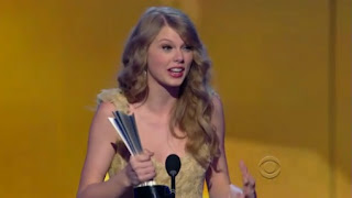 Finally Taylor Swift as Entertainer of the Year on CMA Awards 2011