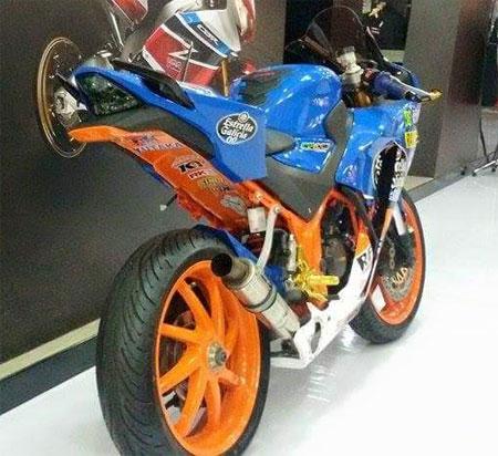 spesifikasi Honda CBR150R El Diablo