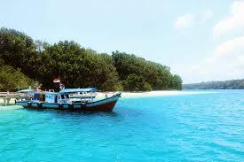 Cantiknya Pantai di Pulau Peucang Ujung Kulon
